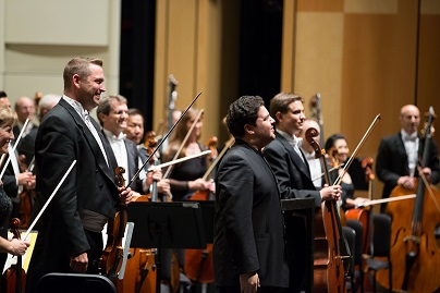 Music Director Tito Munoz leads the Phoenix Symphony